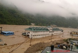 Dharampur bus stand submerged in Son River - Aug 2015.