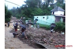 Sandhole Camp Road during monsoon, Aug 2015